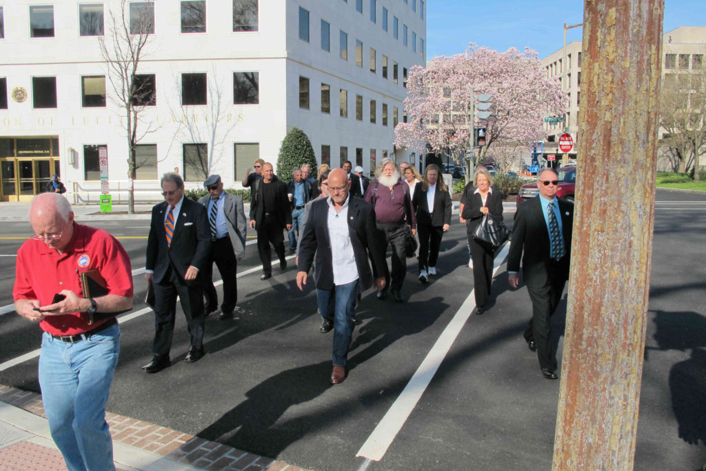 FSALC members make the walk from HQ to Senator Nelson's office